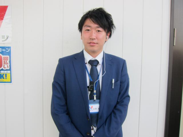 ネクステージのスタッフ写真 カーライフアドバイザー 古澤 健登