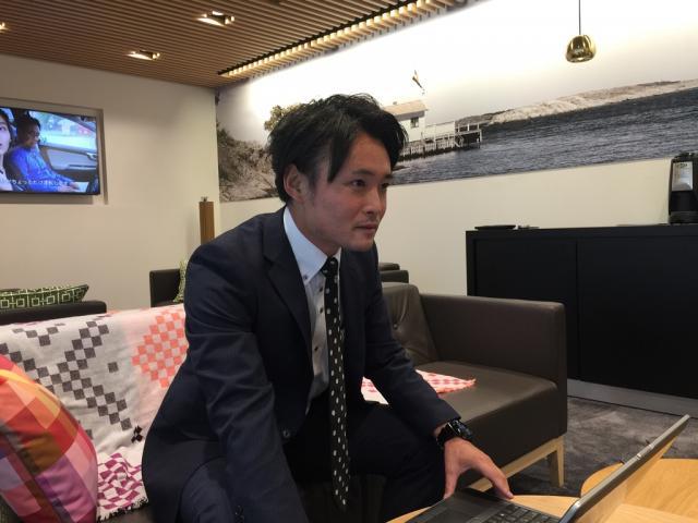 ネクステージのスタッフ写真 カーライフアドバイザー 岩崎 雄介